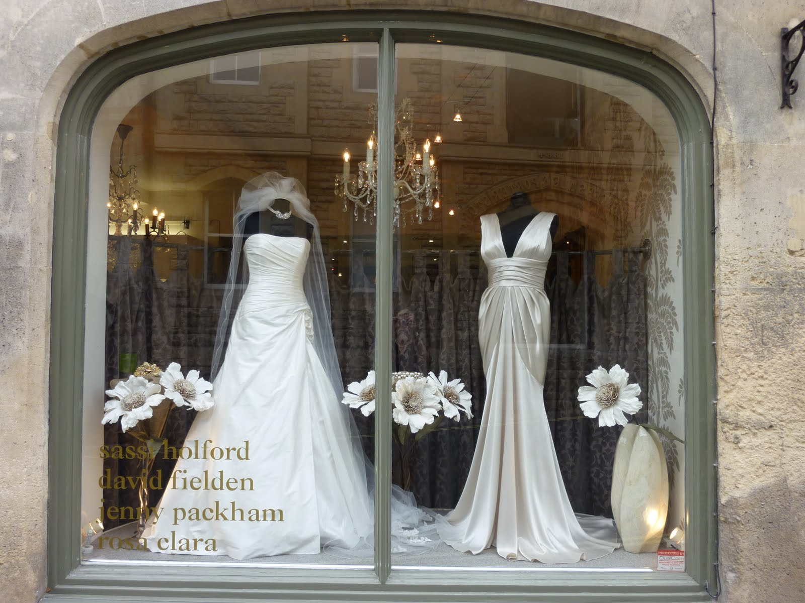 Carina baverstock couture 01 05 11 01 06 11 for How to display a wedding dress