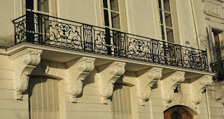 Balcon du 30 quai de Béthune à Paris
