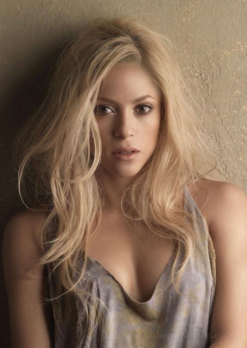 Shakira, Singer