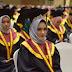 Dewan Penasehat GWI Kampar Hadiri Wisuda Putri Sulungnya