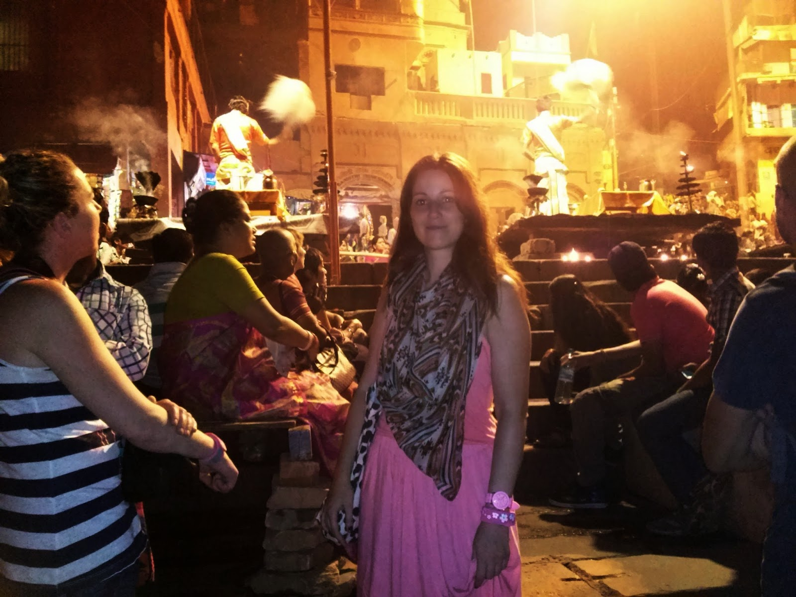Viaje a India: ceremonia Ganga Aarti en Varanasi (Benares)