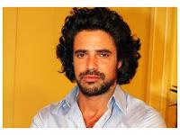 Luciano Castro pelo largo