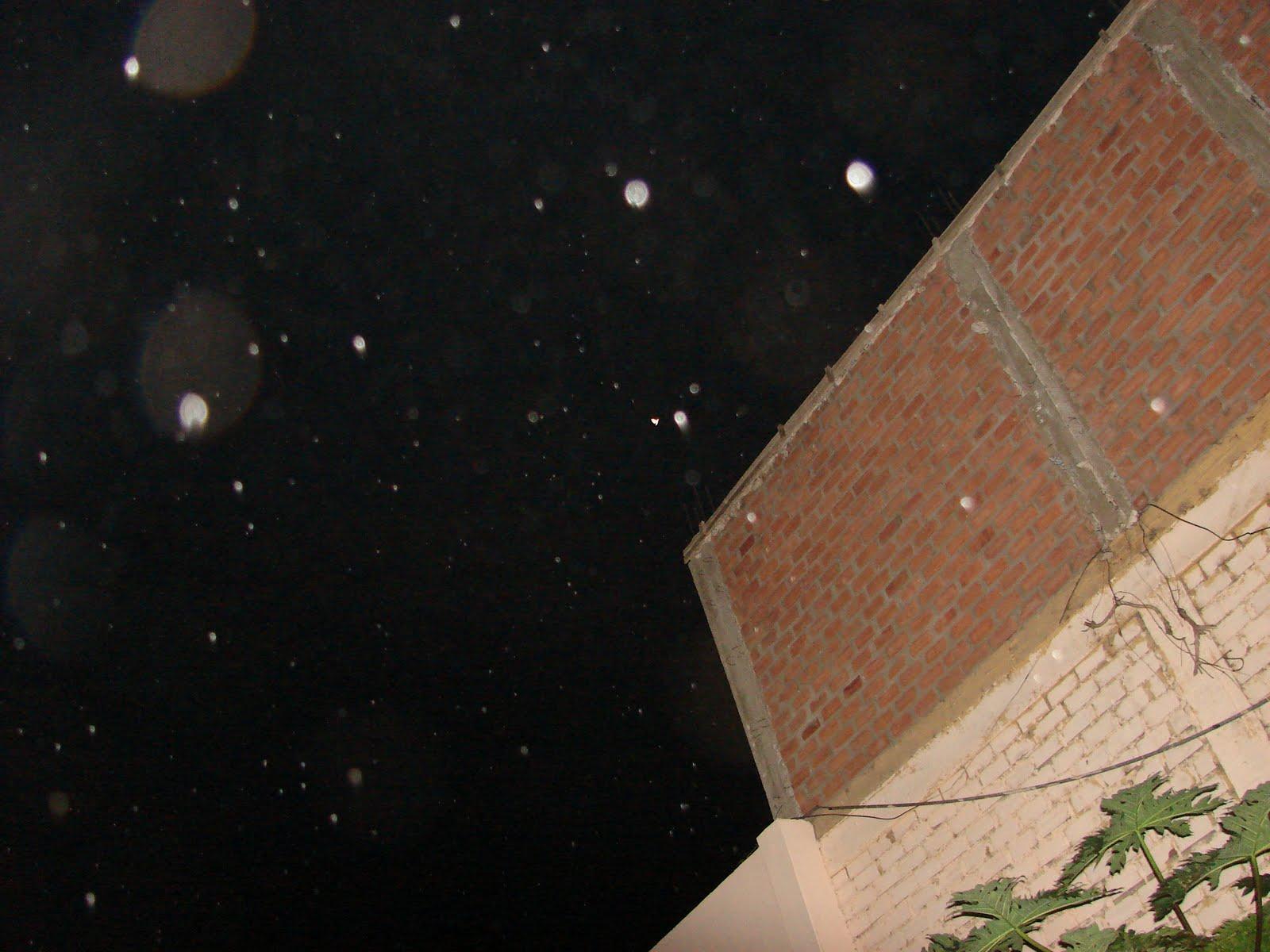 8-agosto-9-10-11-12-13...2011 MARIPOSA ET Ovni con Caneplas en Cielo sec,ufo...