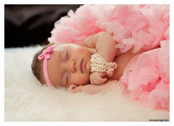 Photo bébé fille en rose 2015