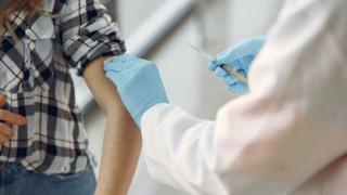 Dengue ou Covid-19? Saiba diferenciar os sintomas que são bem parecidos