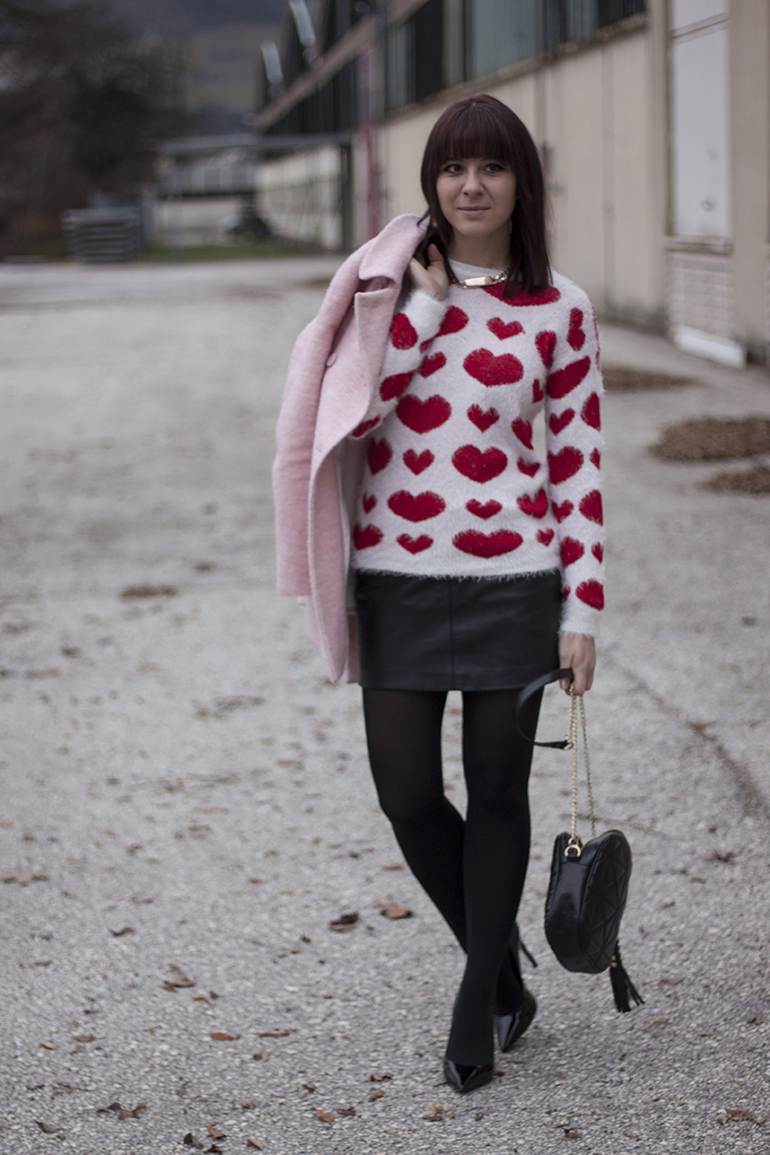 outfit-fashionblogger-who-is-mocca-rosa-mantel-zara-pumps-buffalo-stevemadden