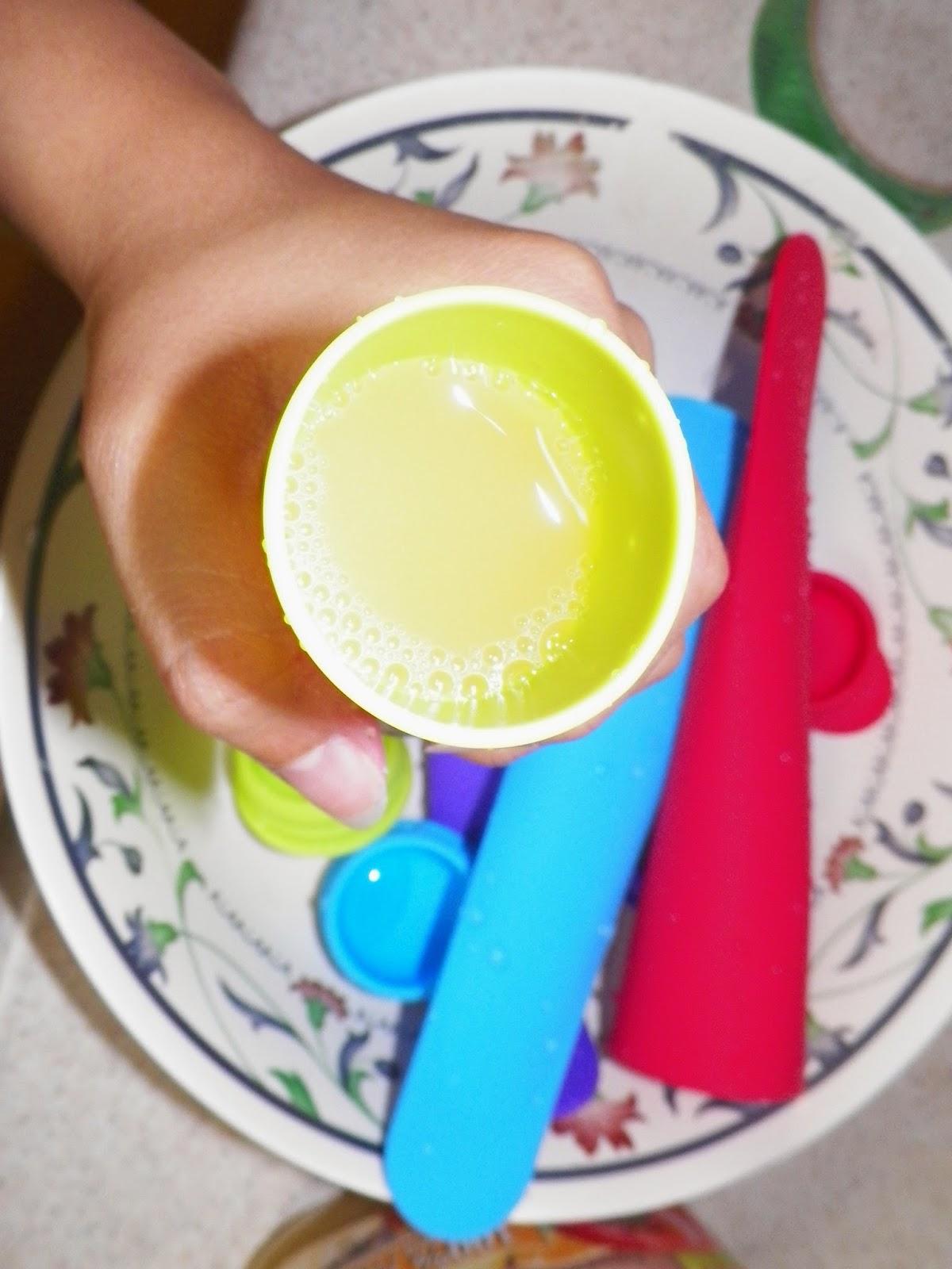 Kuuk_Silicone_Popsicle_Mold.jpg
