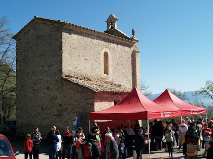 Façanes de migdia i ponent de la capella de Sant Roc