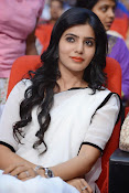 Samantha sizzling in white saree-thumbnail-2