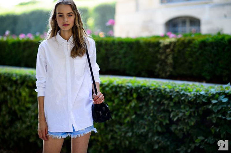 Denim shorts are for the Summer: Blue or White?