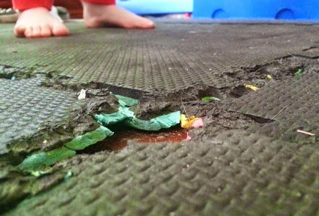 Barny Bear's Little Adventure - Rabbit ate my rubber matting