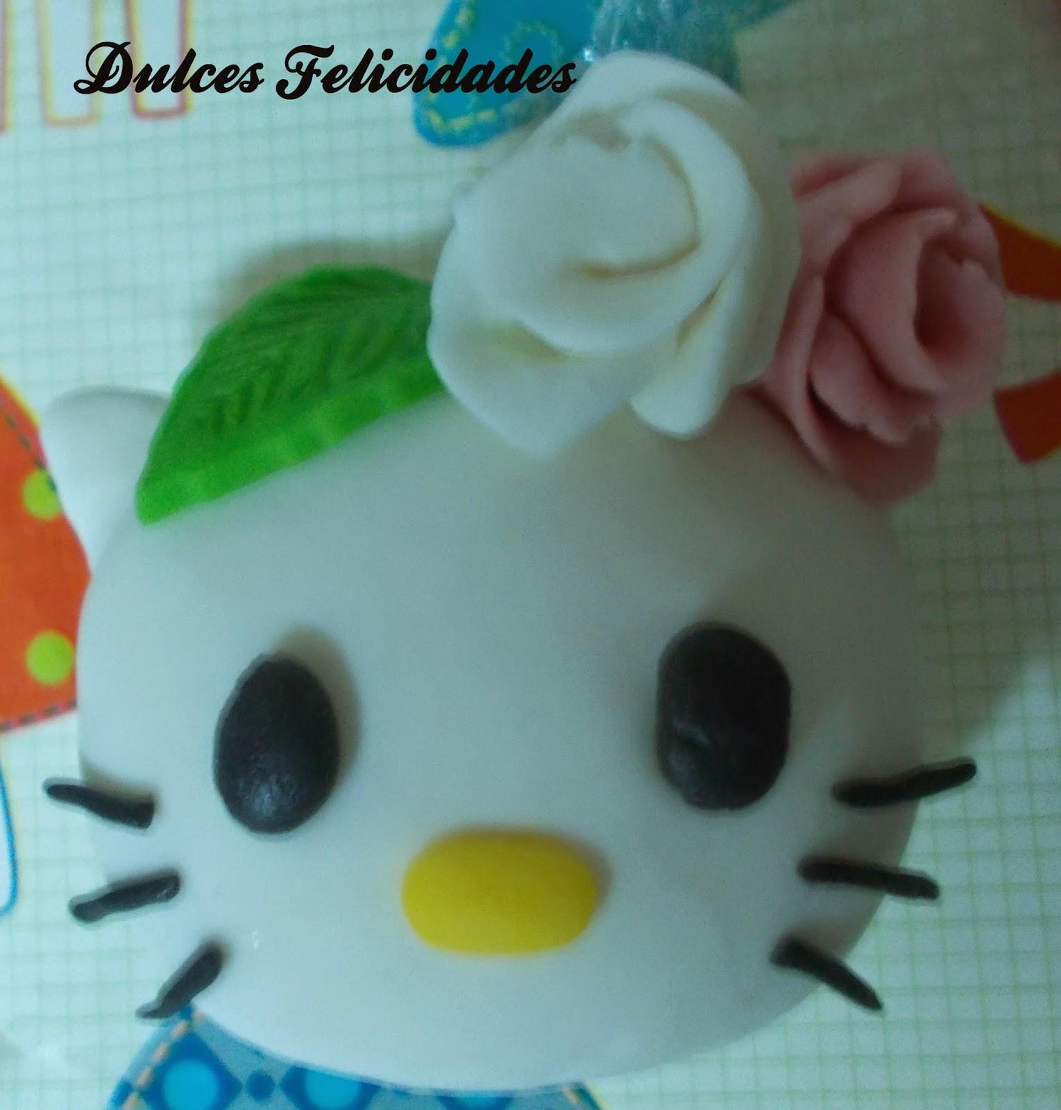 Tarta fondant Hello Kitty