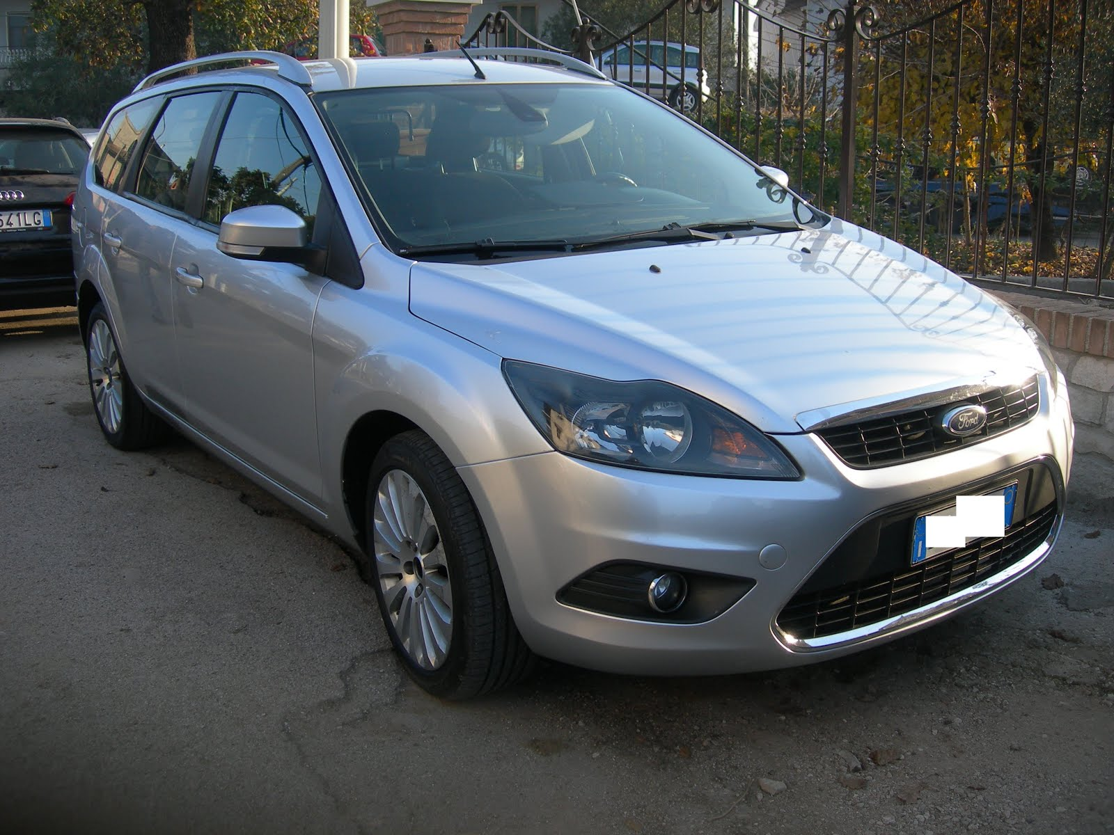 Ford Focus 1.6 Tdci 90 CV Anno 2009 Mod:Autoc+tr.pers. 130.000km accessori full optional