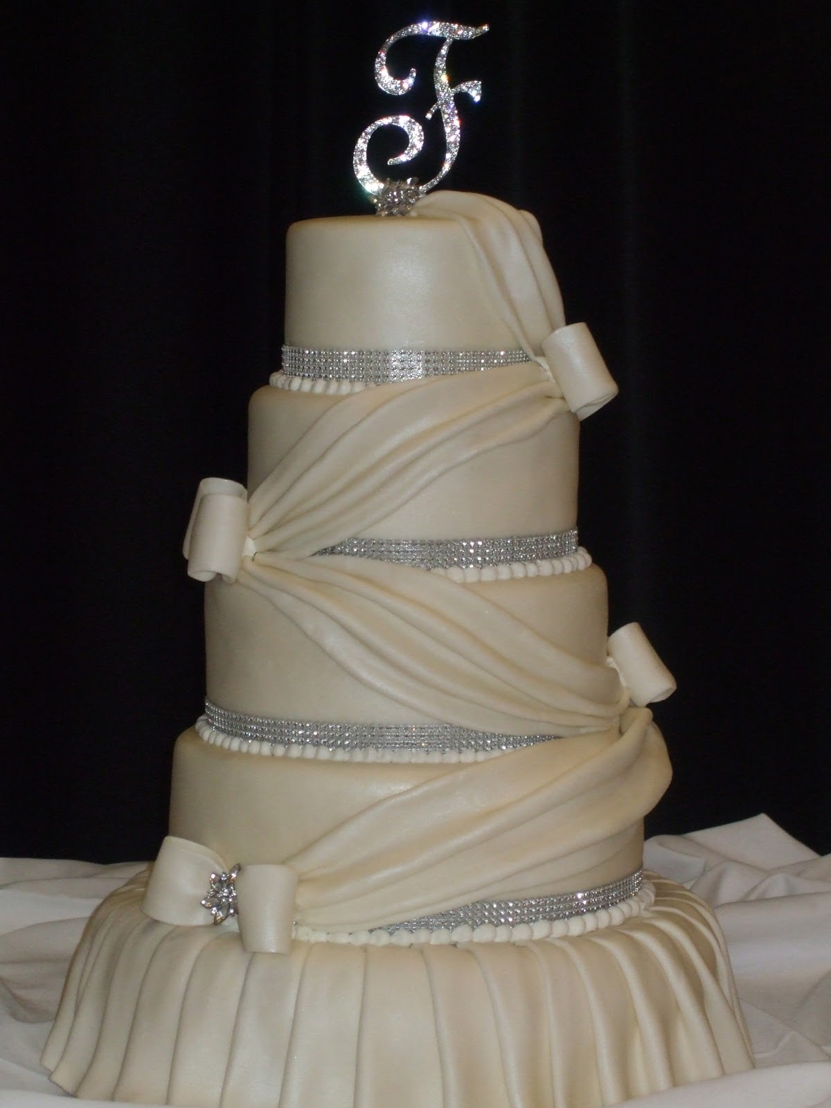 5 tiered wedding cakes