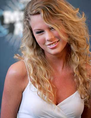 Top 25 Sexiest women Singers Alive 2012 Taylor Swift