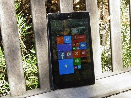 Mediacom SmartPad iPro W810 sotto un sole tardo autunnale