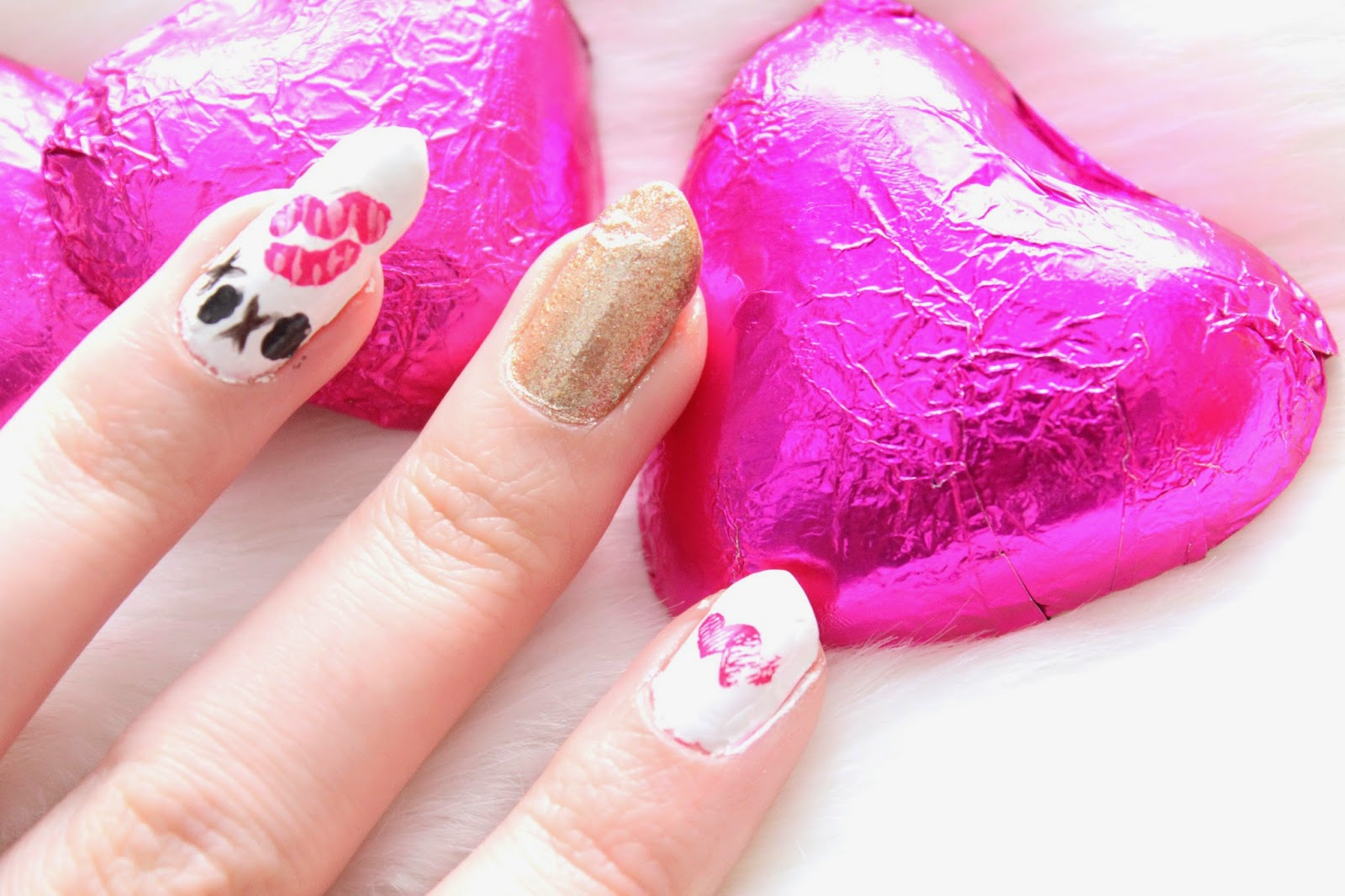 ♡ Pink Swatches and Gold Watches ♡: Valentine\'s Day Inspired Nail Art