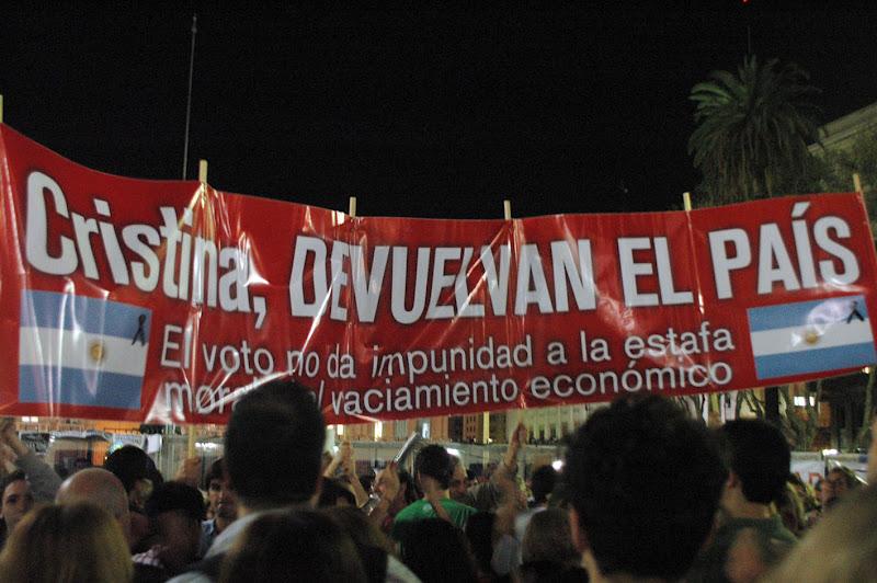 http://2.bp.blogspot.com/-Rqqx3D5amSk/UFMkfX3zMXI/AAAAAAAAkwg/WE6vcVA38As/s1600/Protesta+10.jpg