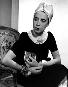 Just a stylish blog loves Elsa Schiaparelli