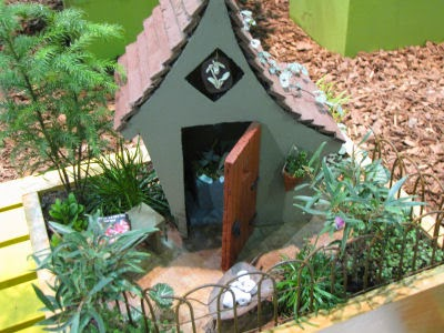 miniature garden setting
