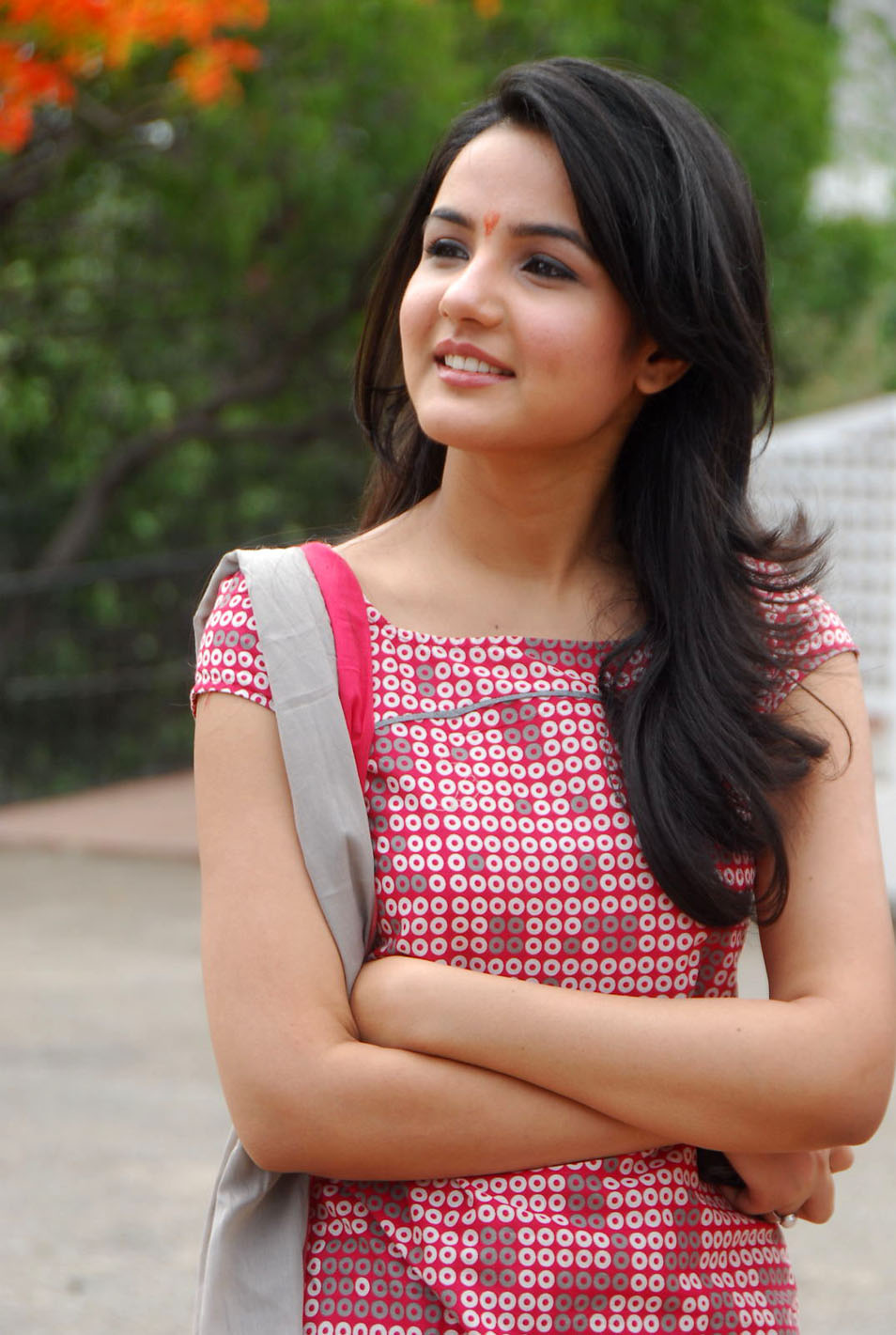Gujarati indian college babe jasmine mathur garba dance and showing bobbs - 5 3