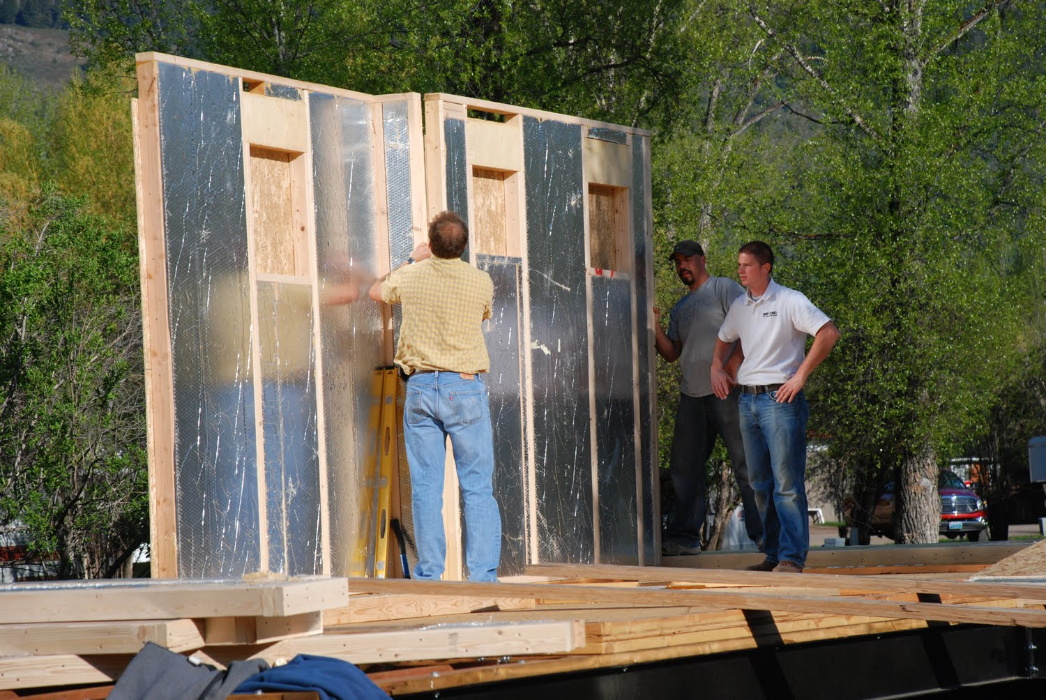 Structural insulated panels ray core sips construction for Diy structural insulated panels