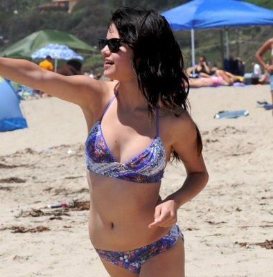Selena Gomez In Bikini With Justin Bieber. Selena Gomez caught in bikini