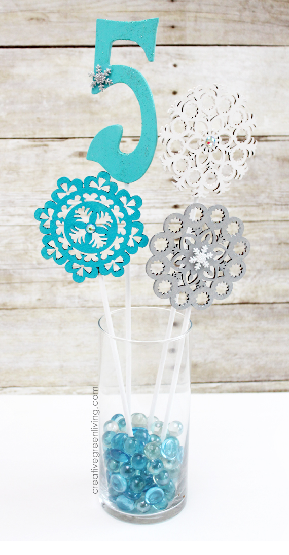 Easy to Make Frozen Party Centerpieces (Works for Winter ...