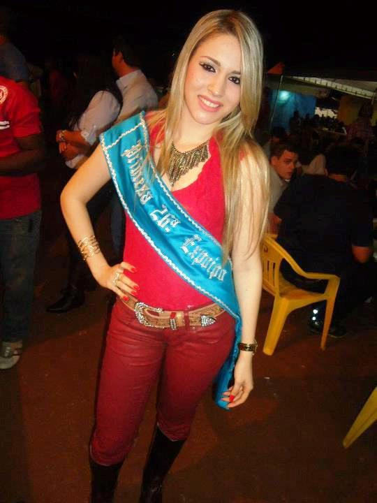 Sarah Caroliny Sousa loves Manchester United
