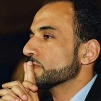 TARIQ RAMADAN PARLE DES ILLUMINATIS ET DES THÉORIES DU COMPLOT