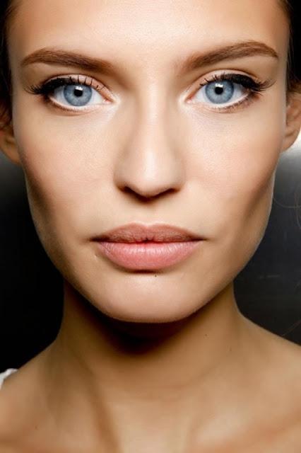 Cách trang điểm highlight cho đôi mắt to căng tròn
