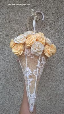 parasolka, rękodzieło, róże z krepy, prezent