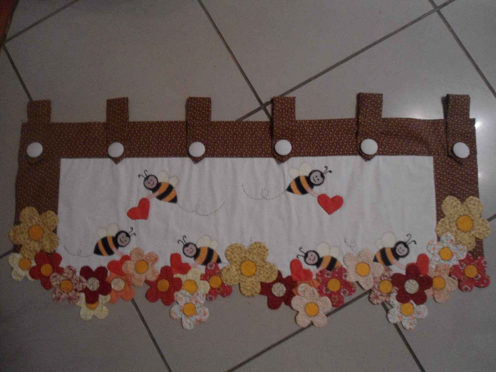 Patchwork Tapete Cozinha Passo A Passo : ESPA?O DA LILI: Band? das abelhinhas