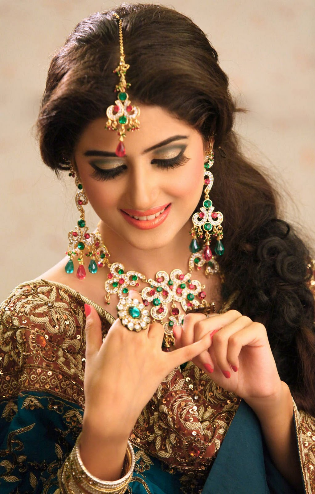 The cutest pakistani actress - Sajal Ali in bridal dress `
