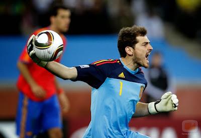 Iker casillas considerado titular España