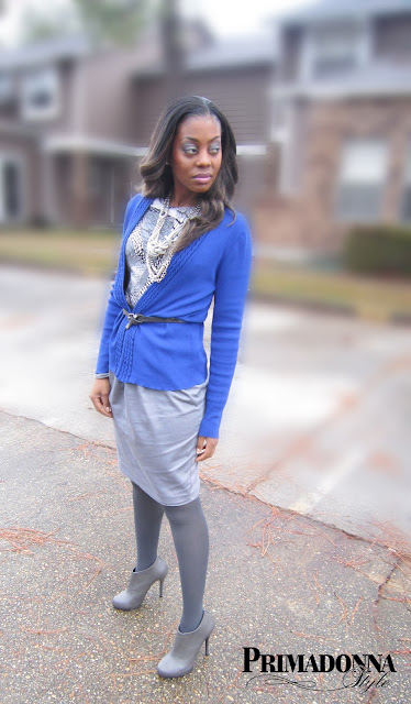 wear a blue cardigan, wear ankle booties, wear a statement necklace, royal blue cardigan