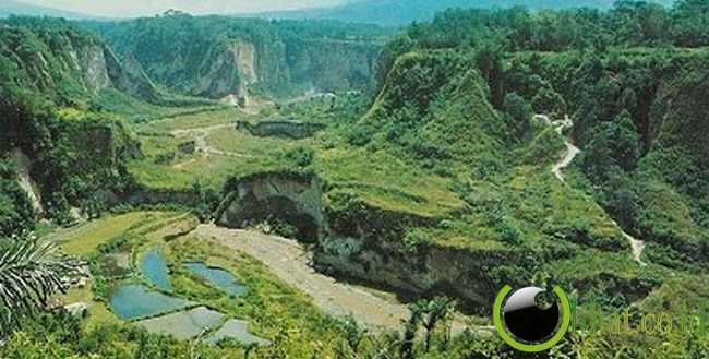 5. Tempat Wisata Ngarai Sianok di Sumatera Barat
