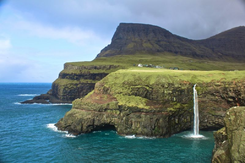 Tiny towns Gasadalur, Faroe Islands