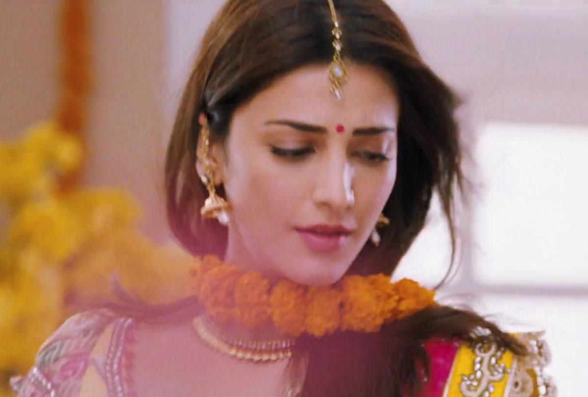 Shruti Hassan Latest Photos in Ramaiya Vastavaiya Movie | Hot ...