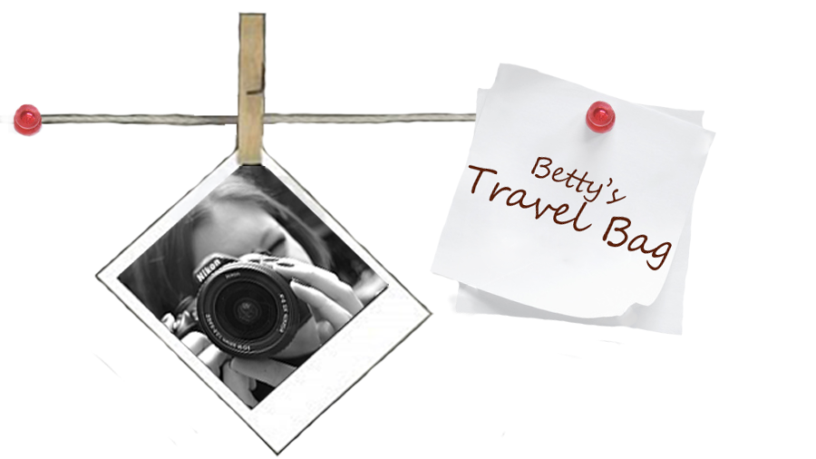 BETTY'S TRAVEL BAG