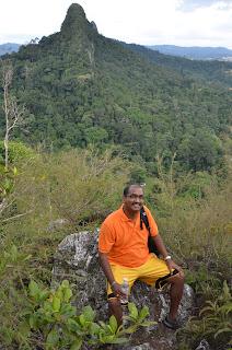 Adventure TeamBuilding BigTree Tours - Mount Tabur Challenge Bukit Melawati Climb