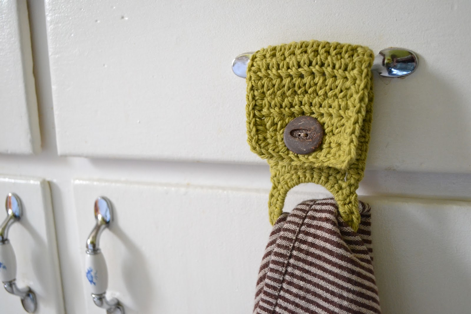 Who wants to be Martha when I can be ME?: Make: Tea Towel Holders
