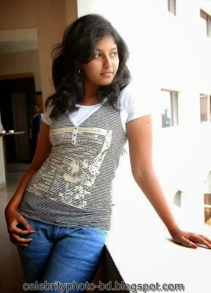 Deshi+girl+real+indianVillage+And+college+girl+Photos010