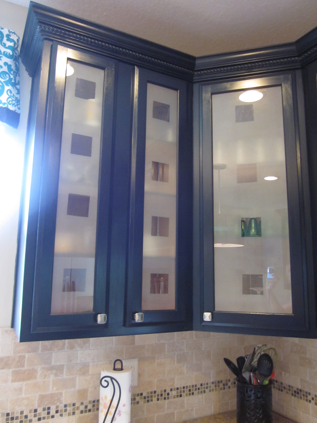 Kitchen cabinet doors with frosted glass - How To Frost Glass Cabinets
