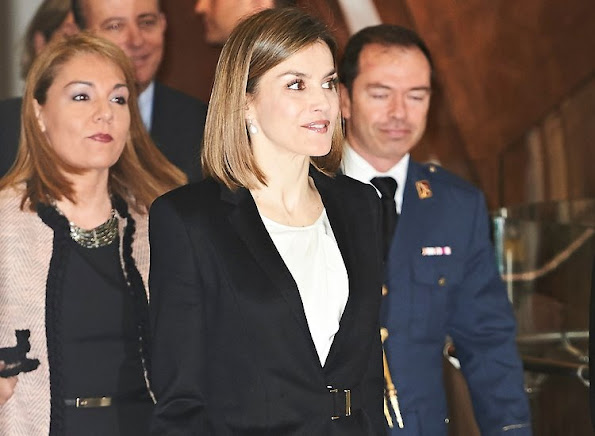 Queen Letizia of Spain attended the 'Por Un Enfoque Integral' forum (5th Forum Against Cancer) at the Telefonica Foundation