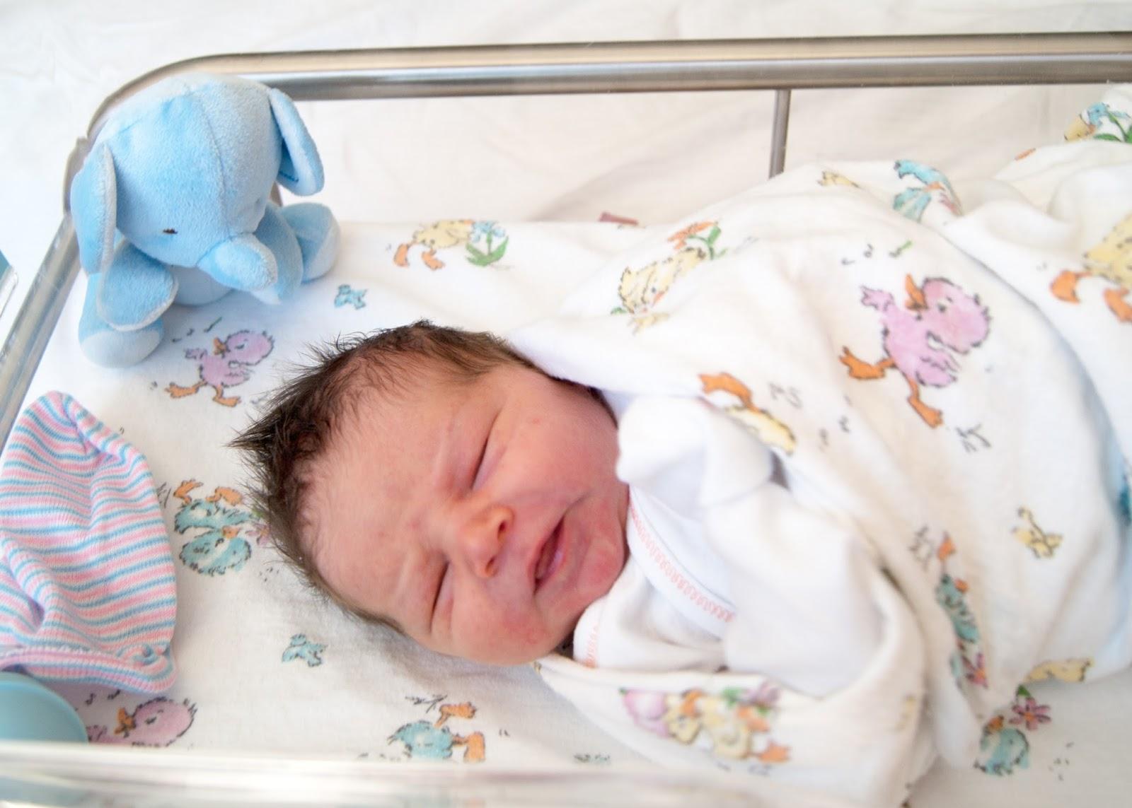 Elynn Coleman  {birth story- part 2} + newborn photosy