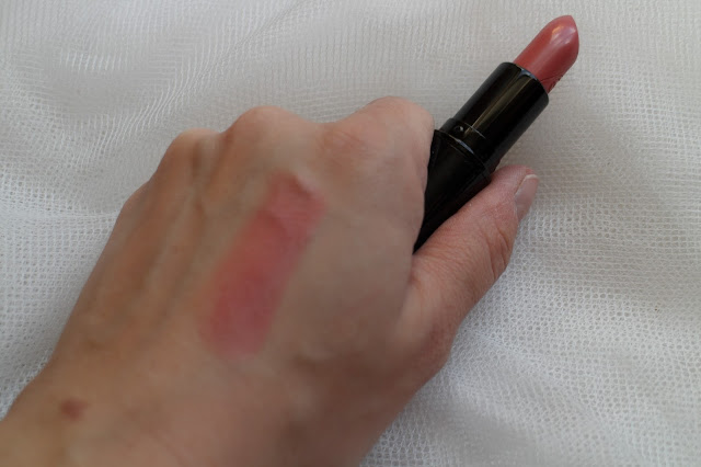 MAC, MAC Ellie Goulding collection, Mac ellie goulding lipstick review, mac ellie goulding blusher review, mac lipstick review, mac coral lipstick, mac coral blusher