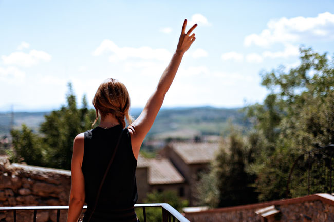 Madewell Sleeveless Blouse, Zara Stripe Shorts, Peace Sign, San Gimignano, Best Tuscan Towns, Towns to Visit in Tuscany, Louis Vuitton Eva Clutch, Side-Braid