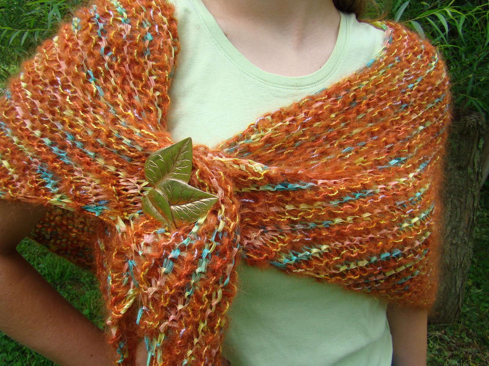Knitting Patterns For Triangle Shawls : Rurification: Mohair and Ribbon Triangle Shawl