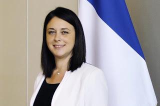 Sylvia Pinel, Ministre de l'Artisanat, du Commerce et du Tourisme